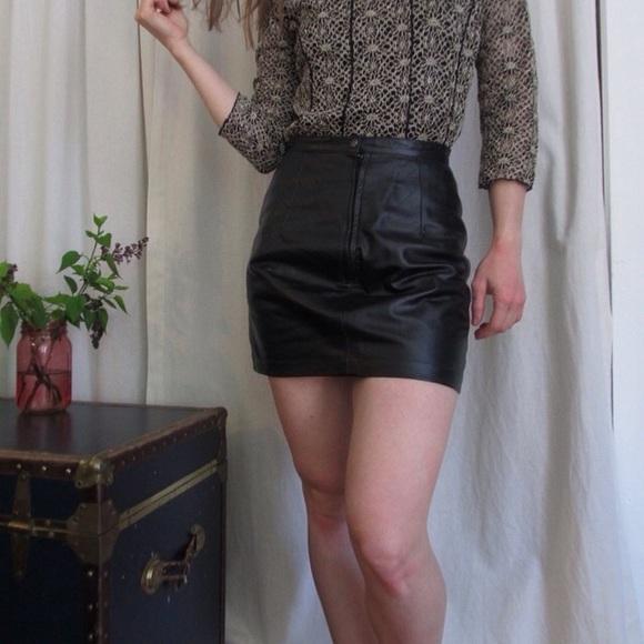 a1fad2303 Punk Vegan Leather Black Vintage Mini Skirt. M_5bcb9d05fe51510026c573db